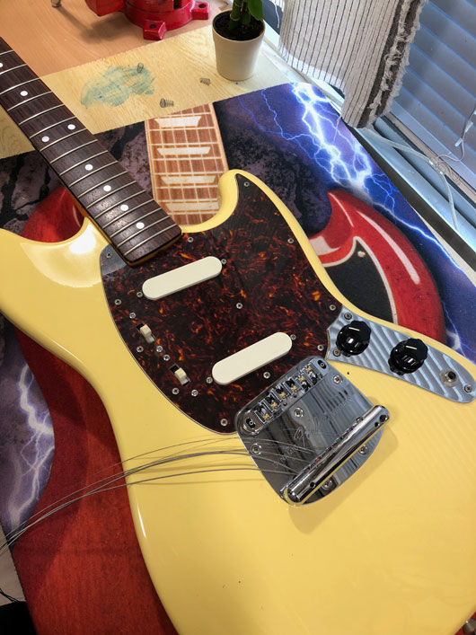 Fender Japan MG69-65 YWH