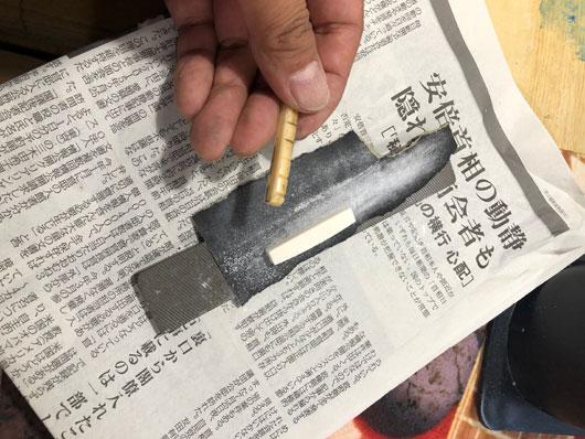 元のナットを元に新しいナットを調整します